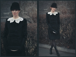 Sandra Saimon - Accessorize Hat, Vologotskoye Kruzhevo Lace Collar, Zarina Fake Lambskin Dress, Accessorize Lace Clutch, Kari Black Booties - Karakul. Version 2.