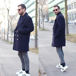 David Fernandez - H&M Glasses, Isabel Marant Coat, H&M Jeans, Adidas Sneakers - Superstar