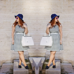 Chocolate Fashion Coffee - Orsay Black And White Dress, Orsay White Tote Bag, Stradivarius Navy Blue Hat, Stradivarius Navy Blue Loafers, Stradivarius Blue Statement Necklace - Navy stripes