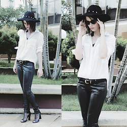 Lidia Zuin - Ellus Shirt, Miniminou Floppy Hat, Renner Fake Leather Pants, Ray Ban Shades, Arezzo Sandals - Next day widow