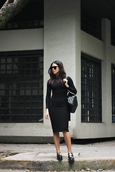 Génesis Serapio - Zara Dress, Hare Bagpack, Zara Loafers - Black is the new black