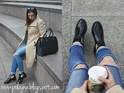 Polajna Pola -  - Beige coat and starbucks