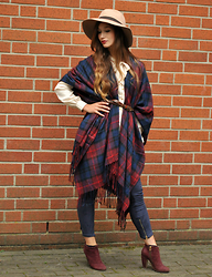 Sandra G - C&A Beige Hat, Only Plaid Cape, Vila White Blouse, Zara Blue Suede Leggings, Akira Red Ankle Boots - Very british