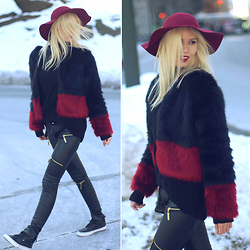 Ketherin Kaffka - Moikana Coat, Coca Cola Sneaker, Moikana Pants Leather - Central Park look