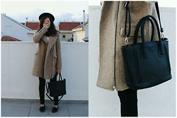 Alona Bronstein - Pull & Bear Wool Coat, Zara Jeans, New Look Loafers - February Sunsets.