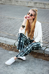 Marta M - Sheinside Jacket, Noon Trousers, Converse Sneakers - Comfy look