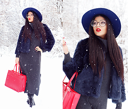 Kristina Zavarski - River Island Hat, Zara Jacket, Zerouv Glasses - Winter is Back!