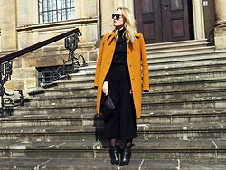Laenoky - United Colors Of Benetton Coat, Zalando Collection Boots, H&M Culotte - CAMEL IN THE WIND