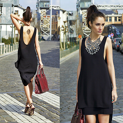 Ruxandra Ioana - Urban Outfitters Dress, Tattooyou Tattoo - Diggy down