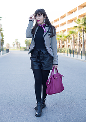 Catarine Martins - Stradivarius Blazer, Emilio Pucci Scarf, Longchamp Bag - What about Pucci?