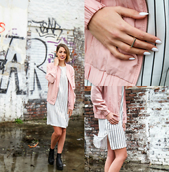 FEEblog - Pop Cph Pink Bomber, Won Hundred Striped Dress, The Boyscouts Ring - The Pink coat takes over!