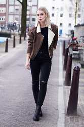 Anita VDH - Subdued Black Ripped Jeans, Subdued Faux Shearling Jacket, Invito Chelsea Boots - High Waist & Shearling Jacket