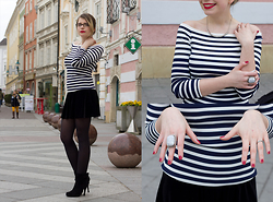 Elina Wagner - H&M Striped Top, Brandy Melville Usa Velvet Skirt - Nautical Vibes