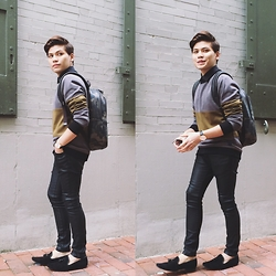 Ahmad Sallehhoddin - Urban Outfitters Sweater, Coach Bagpack, Pull & Bear Skinny Pants, Topman Loafers, Calvin Klein Watch - Green Palette