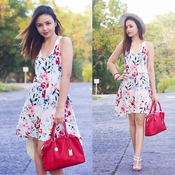 Nicole Aguinaldo - H&M Dress, Tommy Hilfiger Bag, River Island Hat, Chanel Watch, Karazapatos Heels - Summer Calling