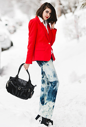 Naomi Larocque - Vince Camuto Red Blazer, Nella Bella Black Bag, Acid Reign Diy Wash Jeans, Jeffrey Campbell Lolitta - Fashionista on Business