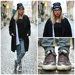 Lauranne Fait des bêtises - Primark Oversize Coat, Beanie Bad Hair Day, Primark Skinny, Palladium Sneakers - Bad Hair Day