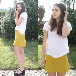 Nausikaä B - H&M Olive Green Skirt, Forever 21 White Shirt, New Look Sandals - Spring, I love you