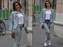 Joanna P. - Peijun Crop Top, H&M Denim Jacket, Lancaster Handbag, Zara Jegging, Adidas Stan Smith - Denim on Denim