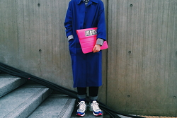 Mushroooooom H - Asos Duster Coat, Uniqlo Shirts, Marc By Jacobs Clutch, Raf Simons Simonsxadidas Ozweego - Blue&pink - seoul fashion week
