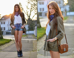 Stephanie Van Klev - Zara Jacket, Stefanel Shirt, Asos Jeans Shorts, Janet & Western Booties, Great By Sandie Paris Bag, Monki Square Scarf - SHORTYS