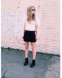 Kirby C - Ray Ban Sunglasses, Free People Top, Zara Skirt, Isabel Marant Ankle Boots - Mod