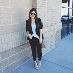 Carolina Hellal - Ray Ban Sunglasses, Nordstrom Top, American Eagle Outfitters Blazer, Kate Spade Bag, Tjmaxx Sandals - Black and white love