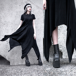 Essy Noir - Make Me Chic Asymmetric Tshirt Dress, Unif Boyle Platform - Asymétrique Noir