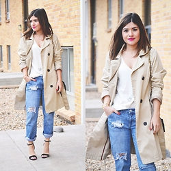 Carolina Hellal - Zara Sandals, Mossimo Trench Coat, H&M T Shirt - Trench coat