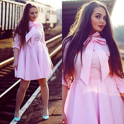 Eve Gore - Lululi Dres - Pink