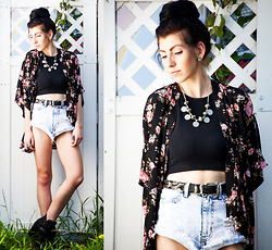Chelsea Den - Forever 21 Rose Kimono, American Apparel Crop Top, Vintage Black And Silver Leather Belt, Made By Me Coin Necklace - Secret Garden