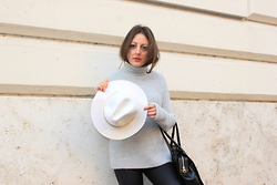 Effe Coco - Zara Sweater, Chloè Bag, H&M Hat - Grey + hat