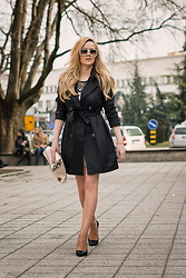 Tatjana Jovanovic - P....S....Fashion Trench, Zara Shoes, P....S....Fashion Clutch - Black trench