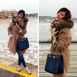 Amemipiacecosi Blog - Franco Pugi Bag, Oviesse Camel Coat - Camel coat and Franco Pugi bag