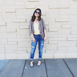 Carolina Hellal - American Eagle Outfitters Tom Girl Jeans, Mango Top, Chinesse Laundry Sandals, Silvano Apparel Sunnies - Favorite boyfriend jeans