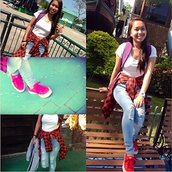 Janet Isaac - Paper N Scissor Crop Top, Keds Double Up Ltt Red, As Jeans Pants, Casio Bag And Watch - White,red,black