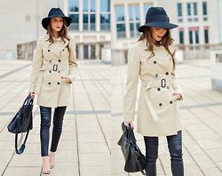 Stephanie Van Klev - Patrizia Pepe Hat, United Colors Of Benetton Trenchcoat, Zara Leatherpants, Balenciaga Bag, Steve Madden Animal Print Heels - CLASSIC TRENCHCOAT