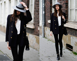 Bea G - Jacket, Blouse, Jeans, Hat, Bag - Boho Vibes
