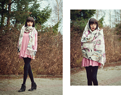 Tilda Frank - Monki Scarf - ♥ Why can't I be, why can't I be, why can't I be careless ♥