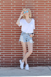 Liz Benichou - Polette Reflection Shades, Aritzia White V Neck, Levi's® High Waisted Denim Shorts, Adidas Stan Smith Sneakers - Normcore
