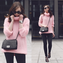 Barbora Ondrackova - Sheinside Knit - FLUFFY PINK