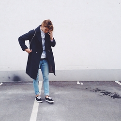 Richy Koll - Vans Sneakers, H&M Jeans, H&M Over Coat, Bershka Sweatshirt, Bagy - Picture. ✌️