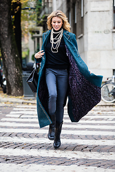 Elena Barolo - Chanel Coat, Zara Turtleneck, Chanel Vintage Bag, 7 For All Mankind Skinny Jeans, Zadig And Voltaire Biker Boots - My chanel life!