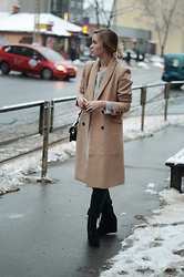 Laura Alksne - Zara Boots, Lindex Faux Leather Trousers, Reserved Coat, Parfois Bag, H&M Sweater - COAT PERFECTION