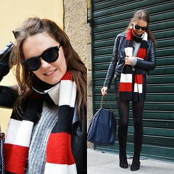 Annebel Vw -  - The Long Striped Scarf