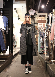 Miriam Mibao - Miyuti Plaid Trench Coat, Converse Black Leather, Boy London Black Tee - Oversize
