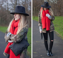 Robyn C - Miss Selfridge Bag, New Look Hat, Topshop Jeans, River Island Boots - ORANGE & CAMO