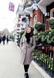 Dahye J -  - Trench Coat in London