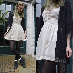 Annie Honey Mac - New Look Kimono, H&M Dress, Office Boots - White Frills & Black Lace