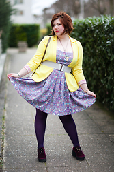 Ninaah Bulles - Balsamik Yellow Blazer, Asos Dresse, C&A Tights, Asos Red Shoses, Primark Belt - Hello sunshine